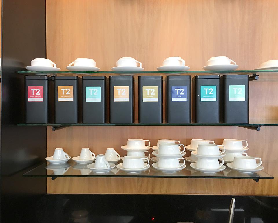 qantas_auckland_lounge_tea1