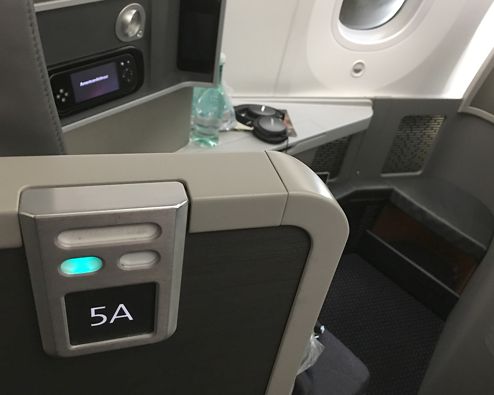 american-airlines-business-class-cabin