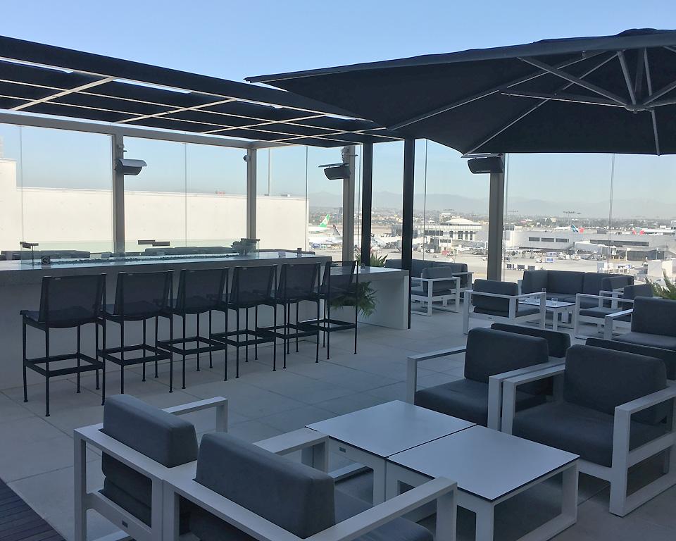 star_alliance_lounge_los_angeles_terrace1