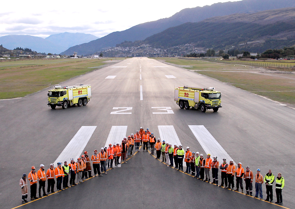 queenstown-runway-team-after-completion